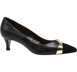 Elegant Court Shoe
